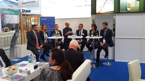 Podiumsdiskussion am Messestand